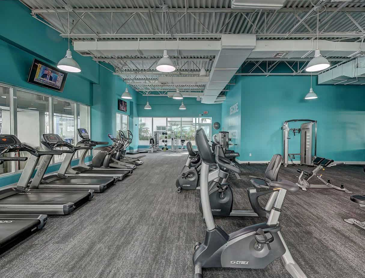 Treadmills VS Elliptical Trainers - Which is Better? Why?
